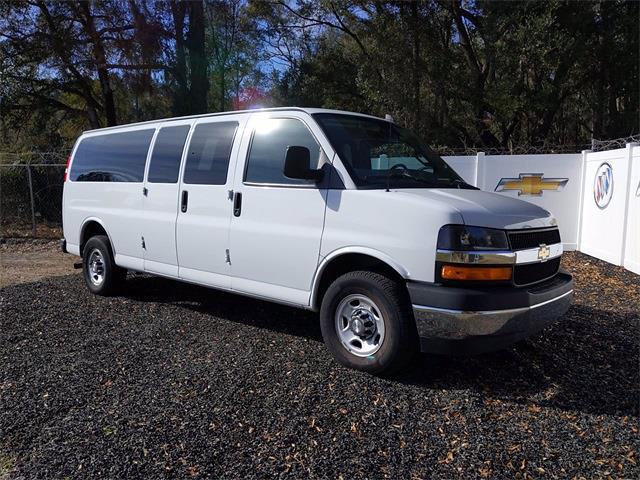 2019 Chevrolet Express 3500 4x2, Passenger Wagon #D0995 - photo 1