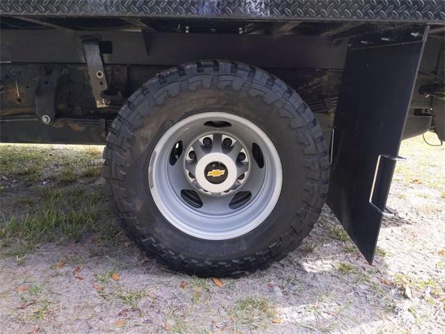 2019 Chevrolet Silverado 3500 Crew Cab DRW 4x4, CM Truck Beds SK Model Platform Body #F7807A - photo 28