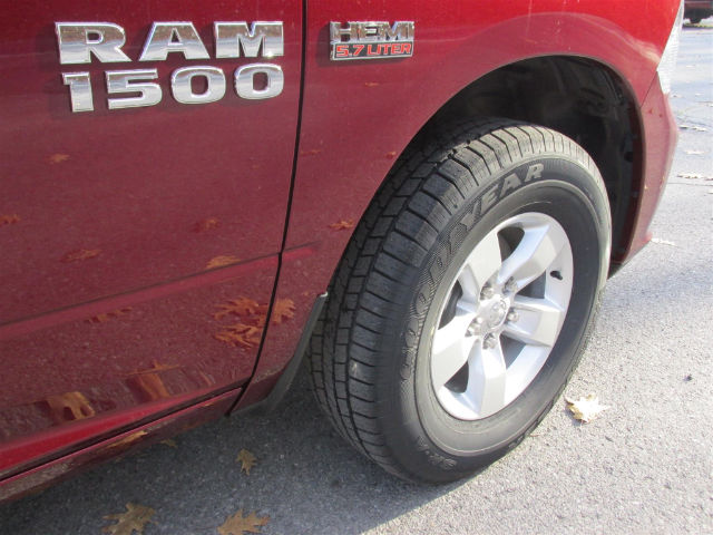 2017 Ram 1500 Crew Cab 4x4 Pickup #15552 - photo 10