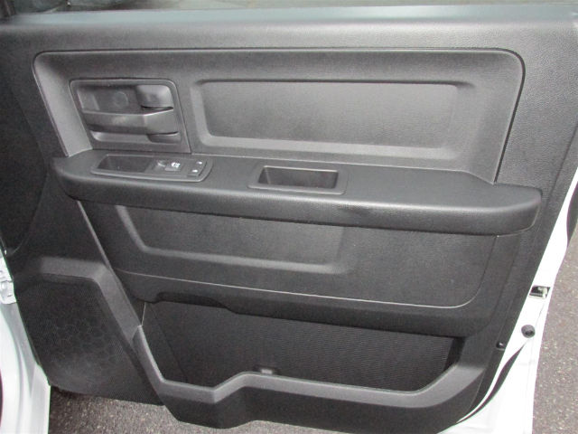 2017 Ram 1500 Crew Cab 4x4 Pickup #15562 - photo 13