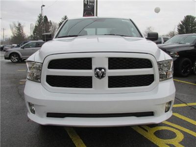 2017 Ram 1500 Crew Cab 4x4 Pickup #15562 - photo 3