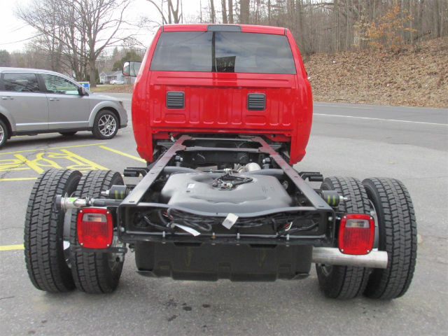 2017 Ram 5500 Regular Cab DRW 4x4 Cab Chassis #15589 - photo 6