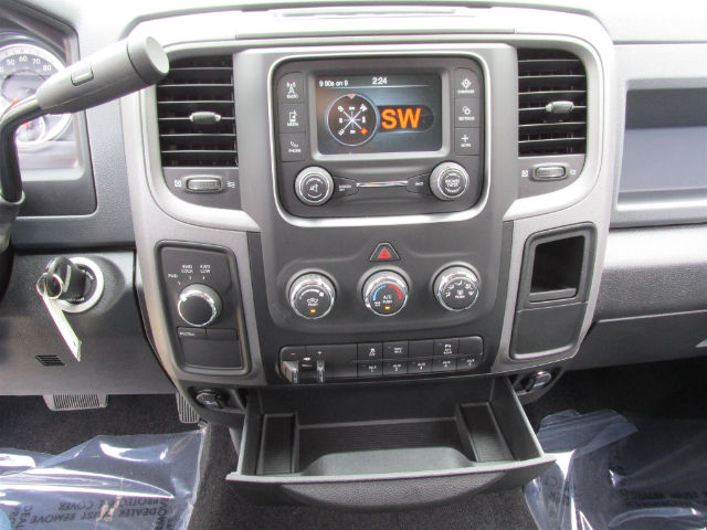 2017 Ram 3500 Crew Cab 4x4, Pickup #15681 - photo 22