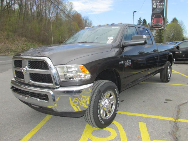 2017 Ram 3500 Crew Cab 4x4, Pickup #15681 - photo 4