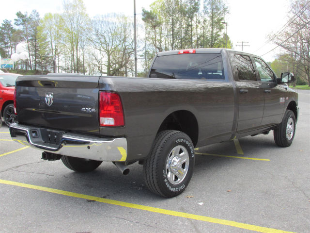2017 Ram 3500 Crew Cab 4x4, Pickup #15681 - photo 2