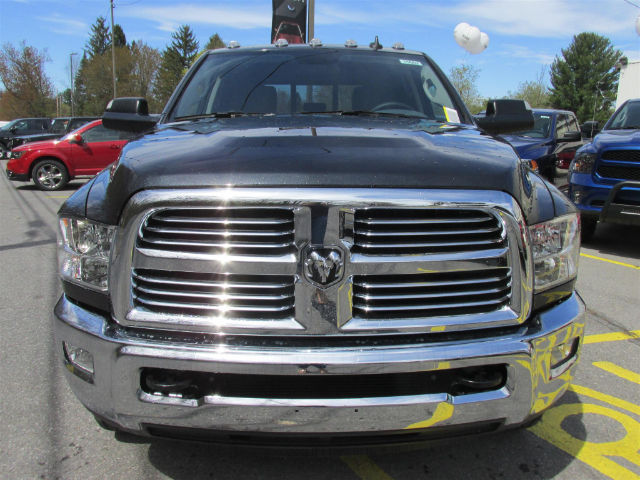 2017 Ram 3500 Crew Cab DRW 4x4, Pickup #15682 - photo 3