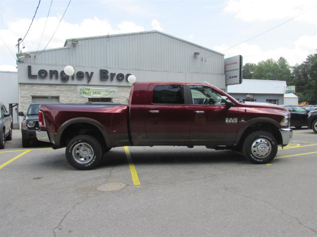 2017 Ram 3500 Mega Cab DRW 4x4, Pickup #15721 - photo 7