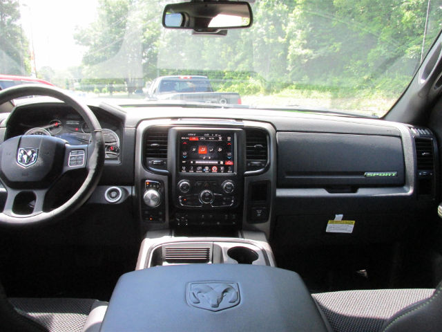 2017 Ram 1500 Crew Cab 4x4 Pickup #15764 - photo 28