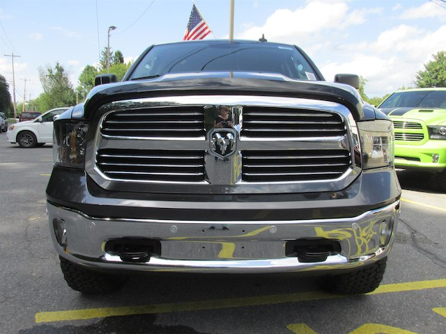 2017 Ram 1500 Crew Cab 4x4, Pickup #15823 - photo 3