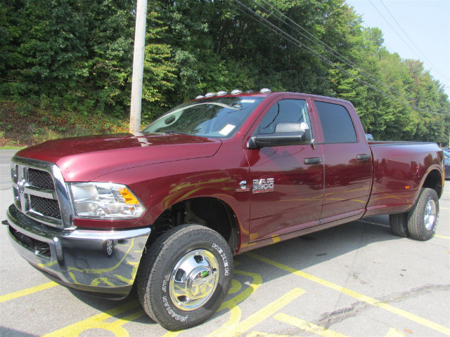 2018 Ram 3500 Crew Cab DRW 4x4 Pickup #15865 - photo 4