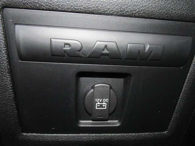 2018 Ram 1500 Crew Cab 4x4, Pickup #15873 - photo 34