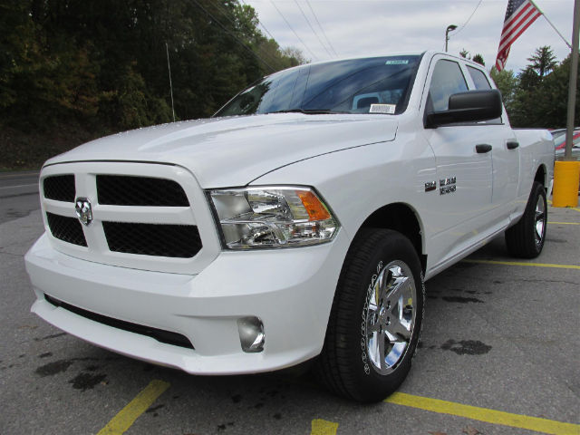 2018 Ram 1500 Quad Cab 4x4 Pickup #15883 - photo 4