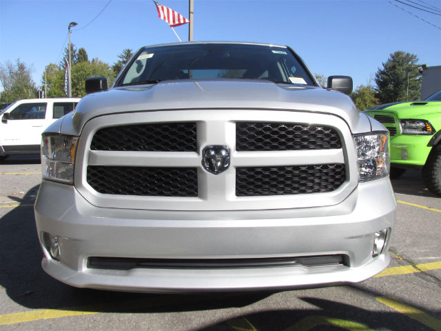 2018 Ram 1500 Quad Cab 4x4 Pickup #15895 - photo 3