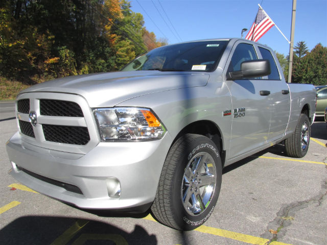 2018 Ram 1500 Quad Cab 4x4 Pickup #15895 - photo 4