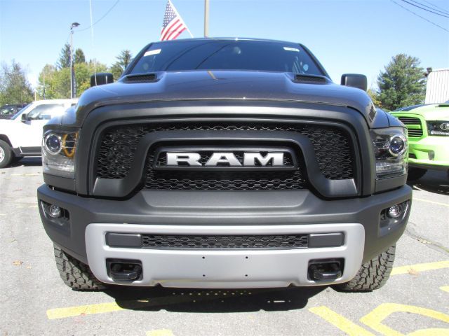 2018 Ram 1500 Crew Cab 4x4 Pickup #15898 - photo 3