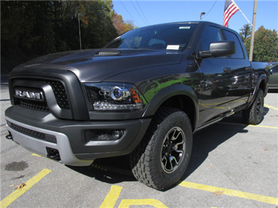 2018 Ram 1500 Crew Cab 4x4 Pickup #15898 - photo 4