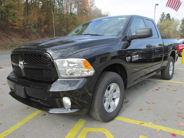 2018 Ram 1500 Quad Cab 4x4 Pickup #15901 - photo 4