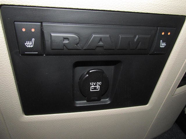 2018 Ram 1500 Crew Cab 4x4, Pickup #15909 - photo 35
