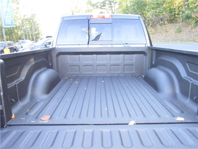2018 Ram 1500 Crew Cab 4x4, Pickup #15909 - photo 11
