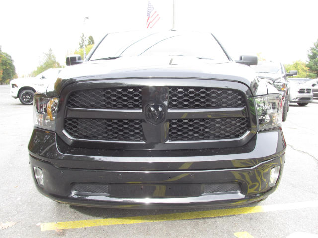 2018 Ram 1500 Crew Cab 4x4 Pickup #15913 - photo 4