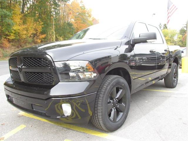 2018 Ram 1500 Crew Cab 4x4 Pickup #15913 - photo 1