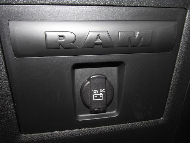 2018 Ram 1500 Crew Cab 4x4 Pickup #15913 - photo 32