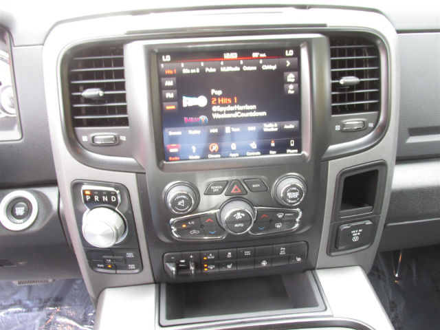 2018 Ram 1500 Crew Cab 4x4 Pickup #15922 - photo 22