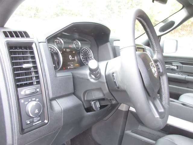 2018 Ram 1500 Crew Cab 4x4 Pickup #15922 - photo 29