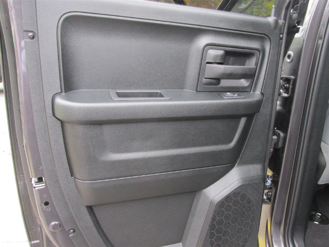 2018 Ram 1500 Quad Cab 4x4 Pickup #15932 - photo 18