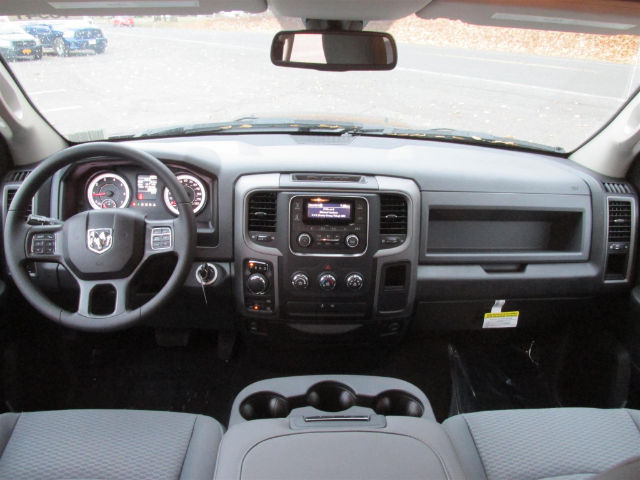 2018 Ram 1500 Quad Cab 4x4 Pickup #15941 - photo 26