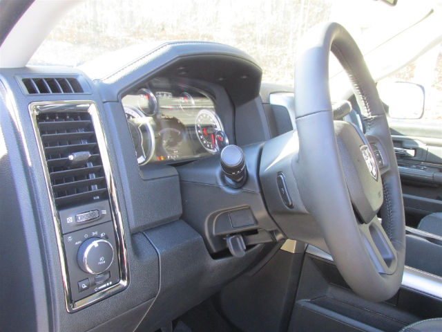 2018 Ram 2500 Crew Cab 4x4 Pickup #15942 - photo 25