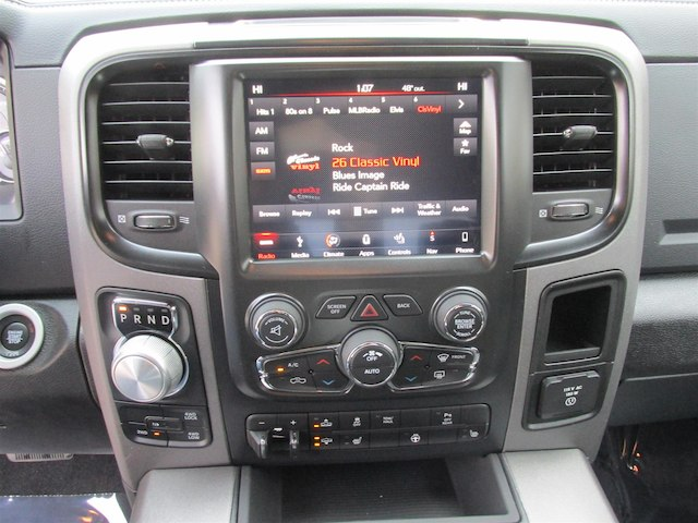 2018 Ram 1500 Crew Cab 4x4, Pickup #15944 - photo 25