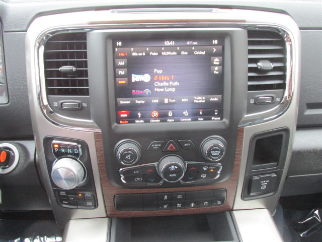 2018 Ram 1500 Crew Cab 4x4, Pickup #15963 - photo 19