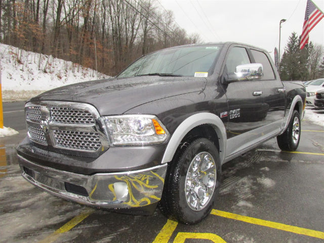 2018 Ram 1500 Crew Cab 4x4, Pickup #15963 - photo 4