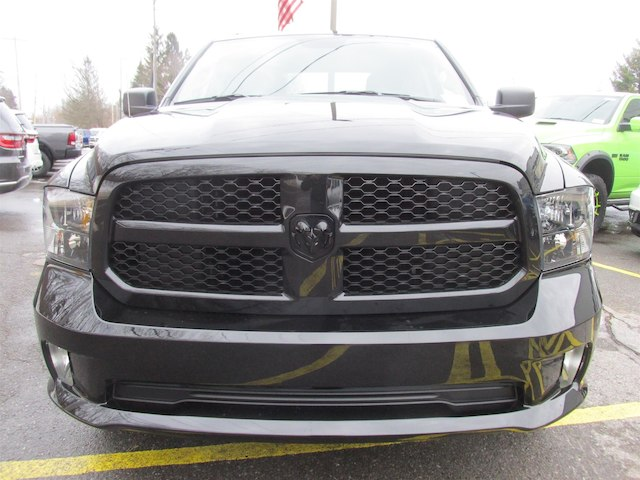 2018 Ram 1500 Quad Cab 4x4, Pickup #15975 - photo 3
