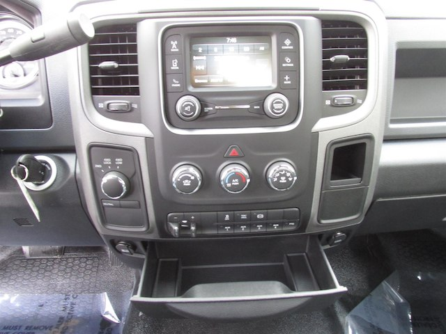 2018 Ram 5500 Regular Cab DRW 4x4,  Cab Chassis #15977 - photo 17