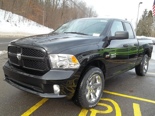 2018 Ram 1500 Quad Cab 4x4 Pickup #15983 - photo 4