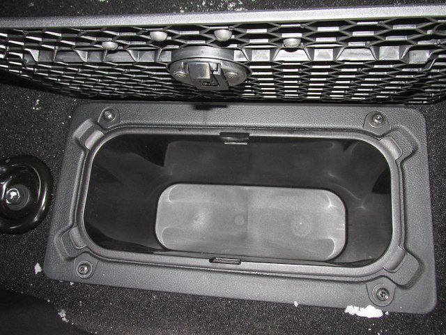 2018 Ram 1500 Crew Cab 4x4 Pickup #16012 - photo 33