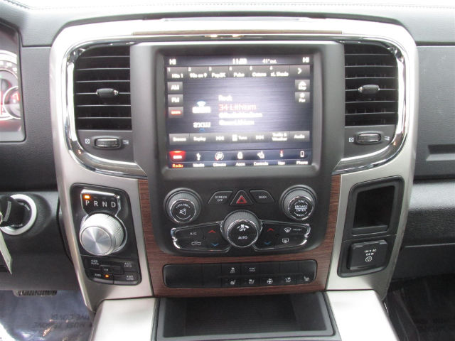 2018 Ram 1500 Crew Cab 4x4, Pickup #16017 - photo 23