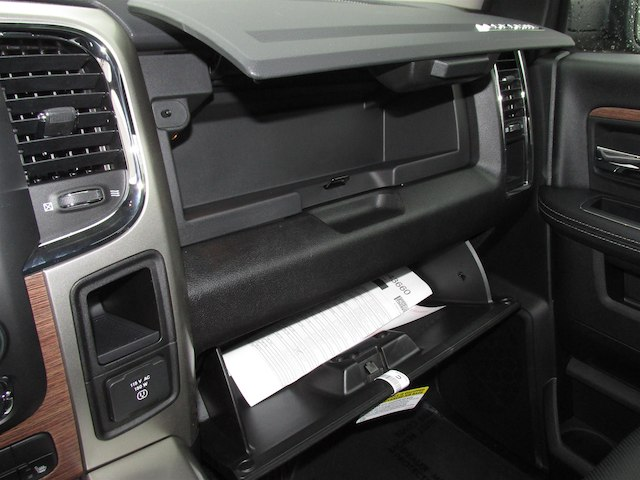 2018 Ram 1500 Crew Cab 4x4, Pickup #16017 - photo 24