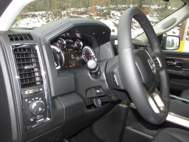 2018 Ram 1500 Crew Cab 4x4, Pickup #16017 - photo 27