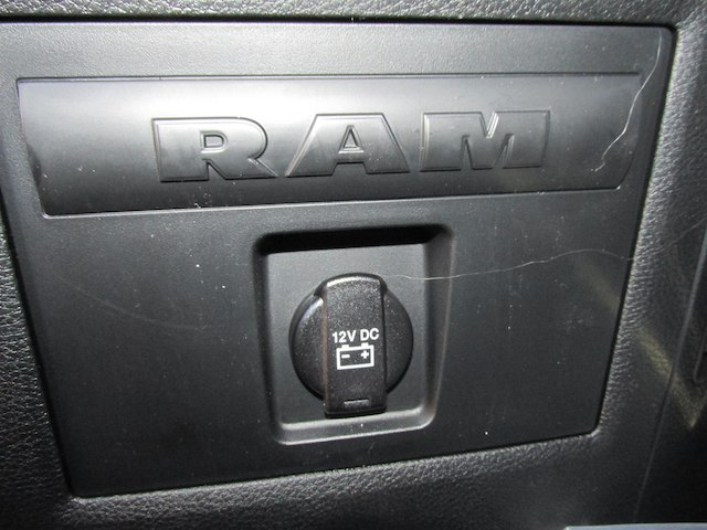 2018 Ram 1500 Crew Cab 4x4, Pickup #16090 - photo 32