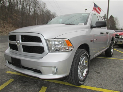 2018 Ram 1500 Quad Cab 4x4, Pickup #16145 - photo 4
