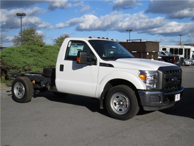 2016 F-350 Regular Cab Cab Chassis #Z168515 - photo 3