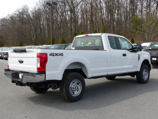 2017 F-350 Super Cab 4x4 Pickup #Z178170 - photo 4