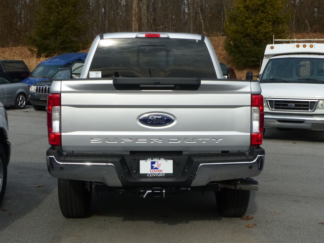 2018 F-250 Crew Cab 4x4 Pickup #Z188084 - photo 4