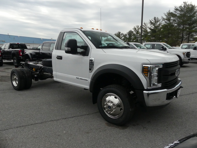 2018 F-450 Regular Cab DRW, Cab Chassis #Z188091 - photo 3