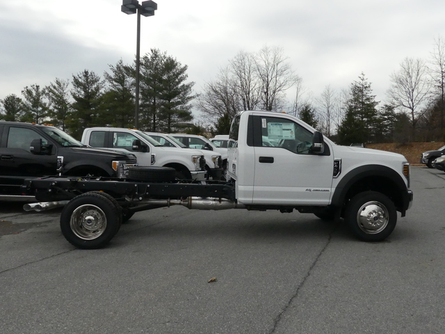 2018 F-450 Regular Cab DRW, Cab Chassis #Z188091 - photo 4