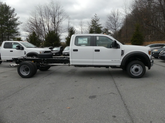 2018 F-450 Crew Cab DRW, Cab Chassis #Z188177 - photo 3