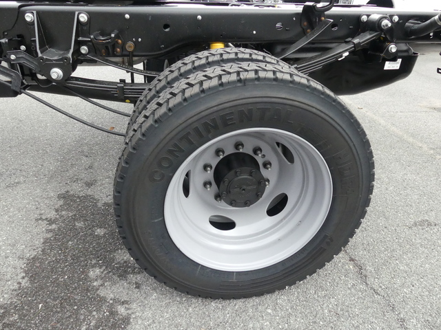 2018 F-450 Crew Cab DRW, Cab Chassis #Z188177 - photo 8